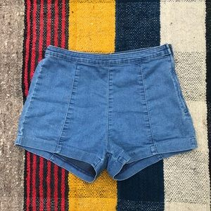 🌺H & M high waisted denim shorts size 12🌸